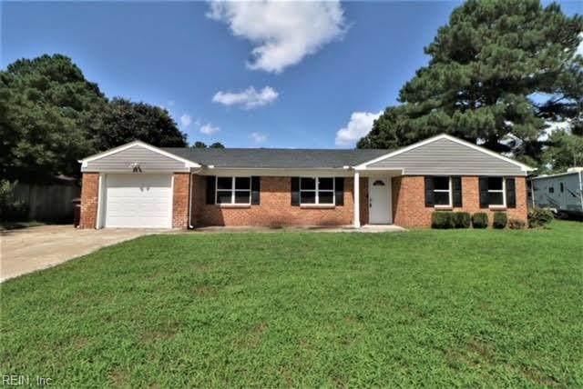 1229 Sir Galahad Dr, Chesapeake, VA 23323 (#10399072) :: The Kris Weaver Real Estate Team