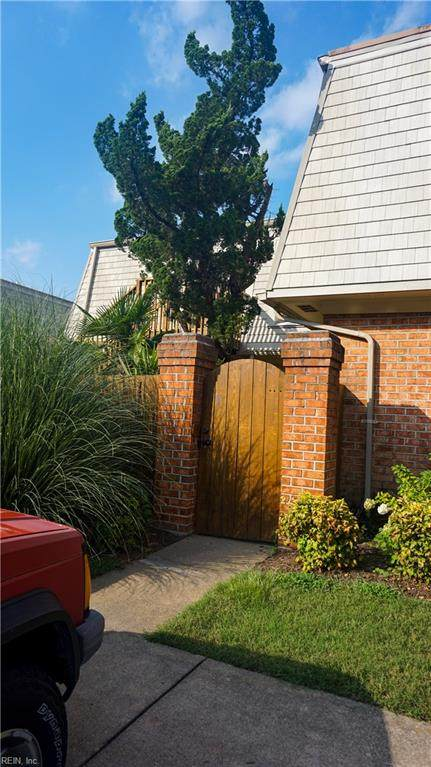 1113 Lands End Way 25D1, Virginia Beach, VA 23451 (#10399422) :: Berkshire Hathaway HomeServices Towne Realty