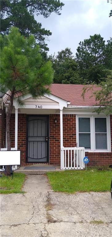 740 Wickford Dr, Chesapeake, VA 23320 (#10399428) :: The Kris Weaver Real Estate Team