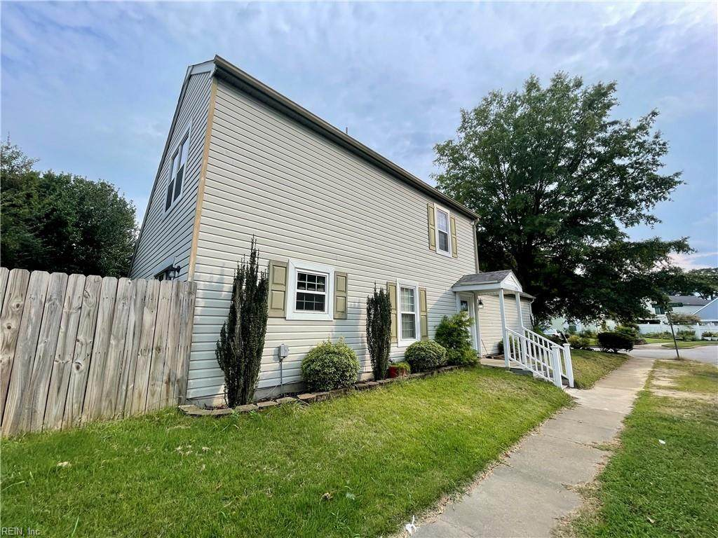 1261 Lord Dunmore Dr - Photo 1