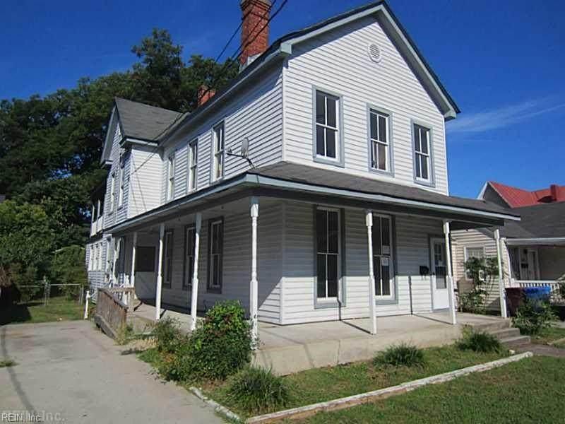1136 Jackson Ave - Photo 1