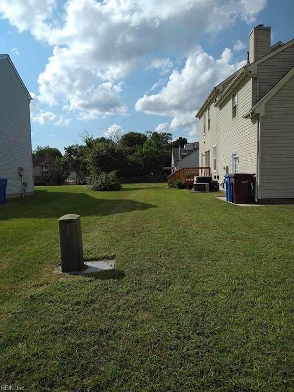 1112 Highlands Ct, Chesapeake, VA 23320 (#10401765) :: Atkinson Realty