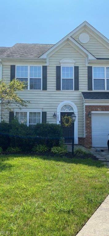 121 Daniels Dr, York County, VA 23690 (#10401923) :: The Kris Weaver Real Estate Team