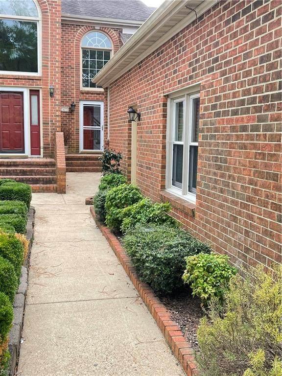 4789 Kempsville Greens Pw, Virginia Beach, VA 23462 (#10405133) :: The Kris Weaver Real Estate Team
