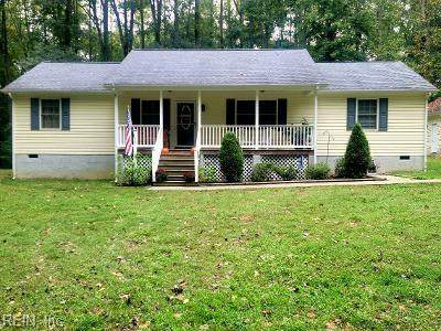 9916 Bacons Fort Rd, Gloucester County, VA 23061 (#10406025) :: Abbitt Realty Co.