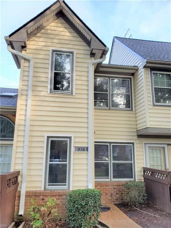 956 Saint Andrews Rch C, Chesapeake, VA 23320 (#10407162) :: Atkinson Realty