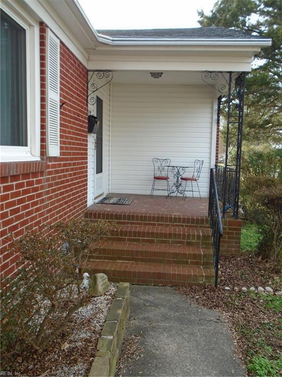 319 Shoreline Dr, Hampton, VA 23669 (#10169104) :: Resh Realty Group