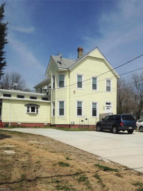 214 S Willard Ave, Hampton, VA 23663 (MLS #10176683) :: Chantel Ray Real Estate