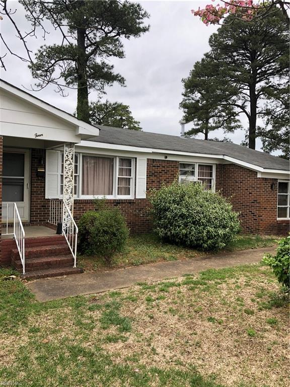 4 Warfield Ct, Portsmouth, VA 23701 (MLS #10188055) :: Chantel Ray Real Estate