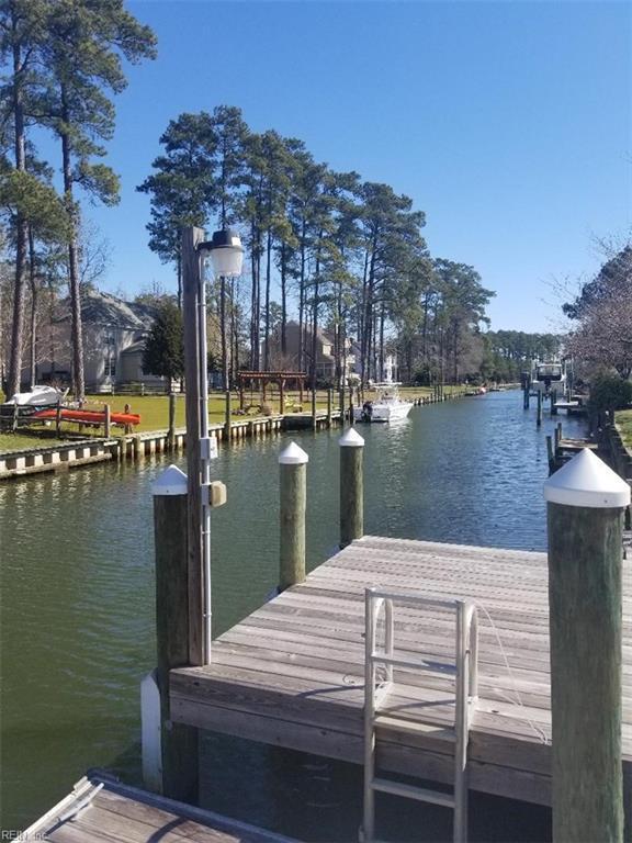 13 Canal Ct, Poquoson, VA 23662 (#10190340) :: Abbitt Realty Co.
