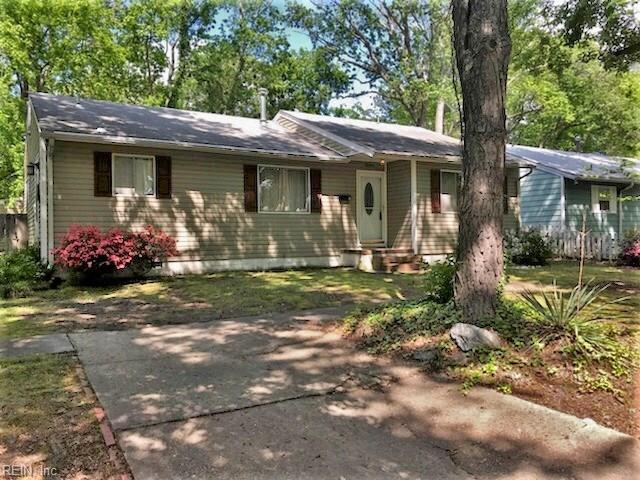 13 Kingslee Ln, Hampton, VA 23669 (MLS #10192964) :: AtCoastal Realty