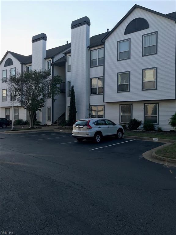 3200 Jade Ct #202, Virginia Beach, VA 23451 (#10194154) :: The Kris Weaver Real Estate Team