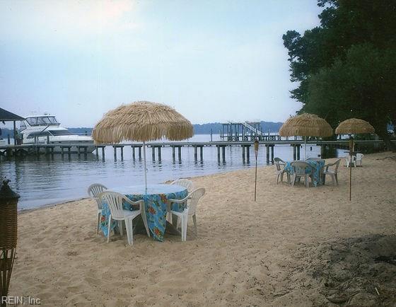 16410 Chickahominy Blf, James City County, VA 23185 (#10218301) :: Coastal Virginia Real Estate