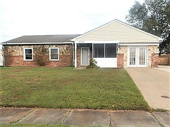 1037 Sean Dr, Chesapeake, VA 23323 (MLS #10225490) :: Chantel Ray Real Estate