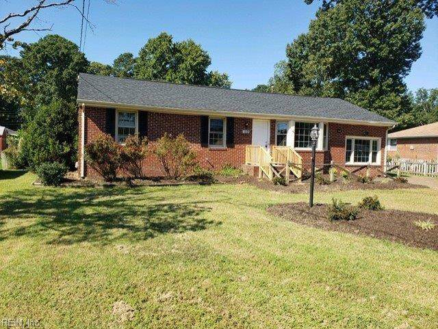 1326 Hodges Ferry Rd, Portsmouth, VA 23701 (MLS #10279352) :: Chantel Ray Real Estate