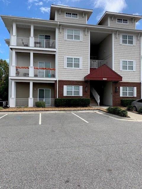 900 Southmoor Dr #301, Virginia Beach, VA 23455 (#10288614) :: Upscale Avenues Realty Group