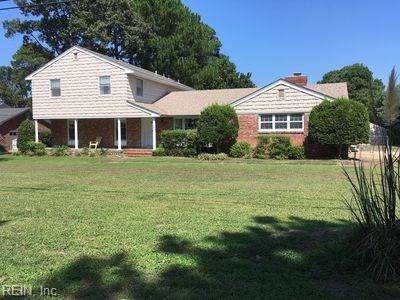 2212 Windward Shore Dr, Virginia Beach, VA 23451 (MLS #10297394) :: Chantel Ray Real Estate