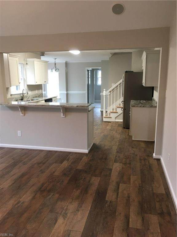 4025 Cory Ln, Chesapeake, VA 23321 (#10304734) :: Berkshire Hathaway HomeServices Towne Realty