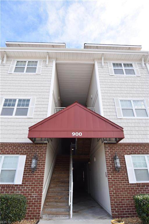900 Southmoor Dr #303, Virginia Beach, VA 23455 (MLS #10307101) :: Chantel Ray Real Estate