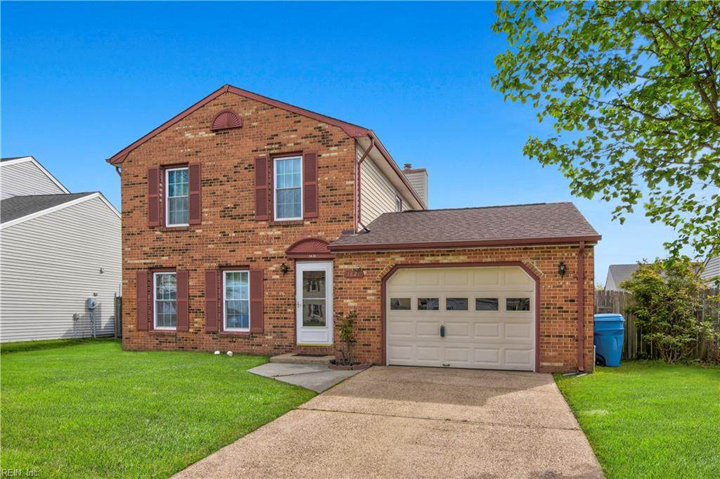 1820 Bloomfield Dr - Photo 1