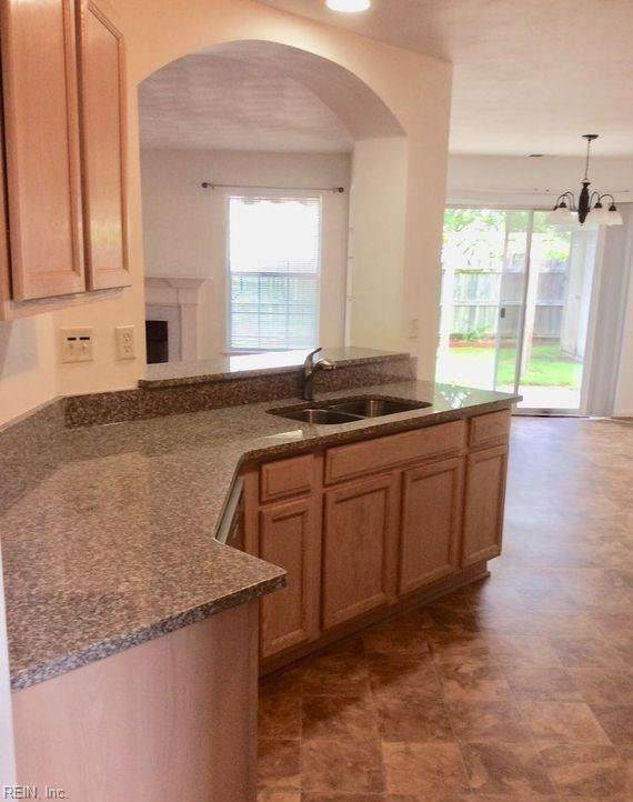 1445 Stalls Way, Virginia Beach, VA 23453 (#10324908) :: Berkshire Hathaway HomeServices Towne Realty
