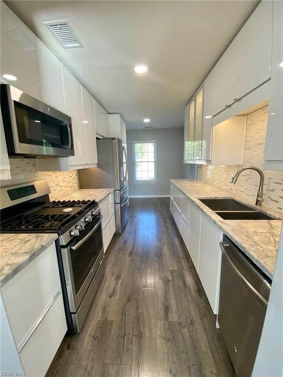 961 Gas Light Ln, Virginia Beach, VA 23462 (#10329747) :: Rocket Real Estate