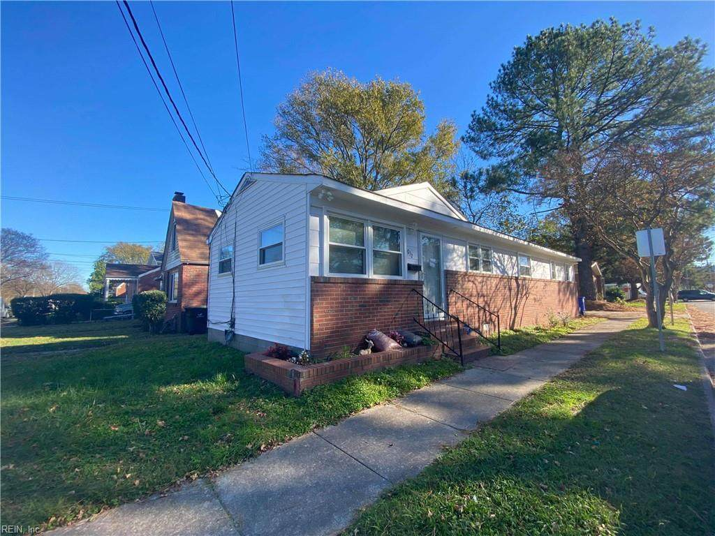 1012 Oaklawn Ave - Photo 1
