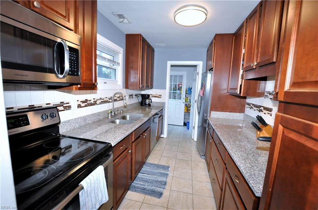 332 Rogers Ave - Photo 1