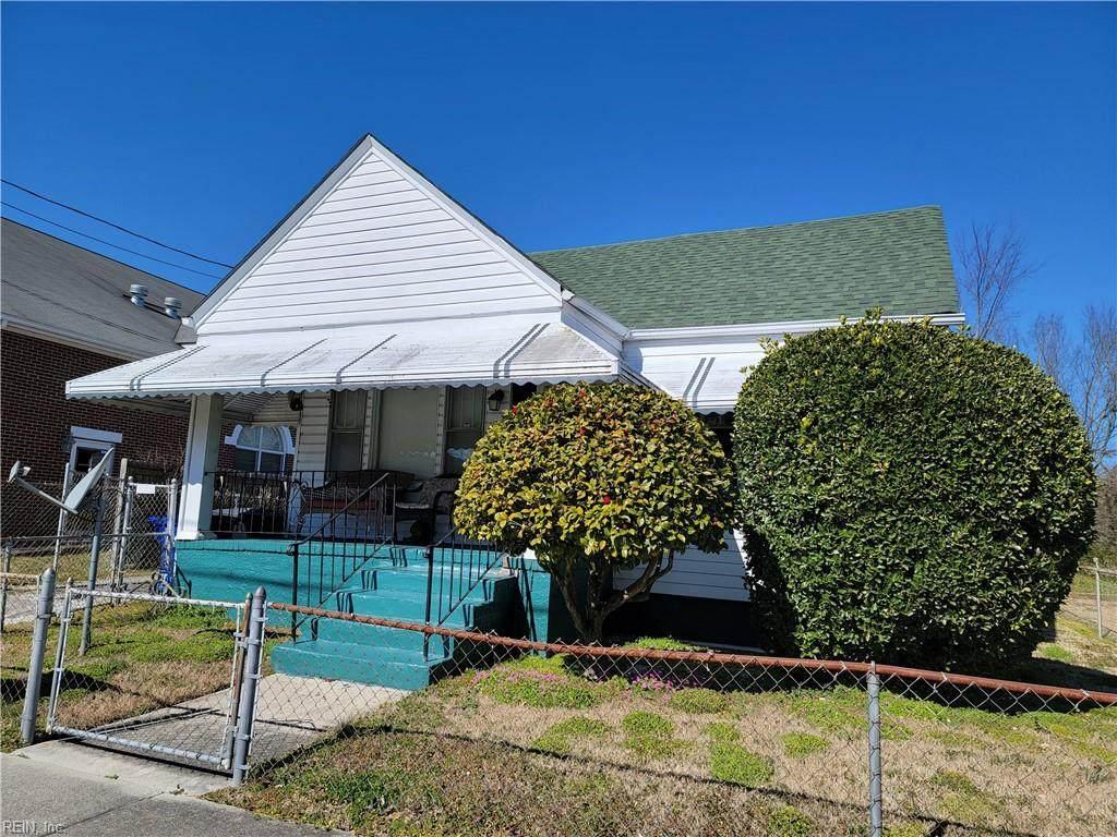1426 Wilcox Ave - Photo 1