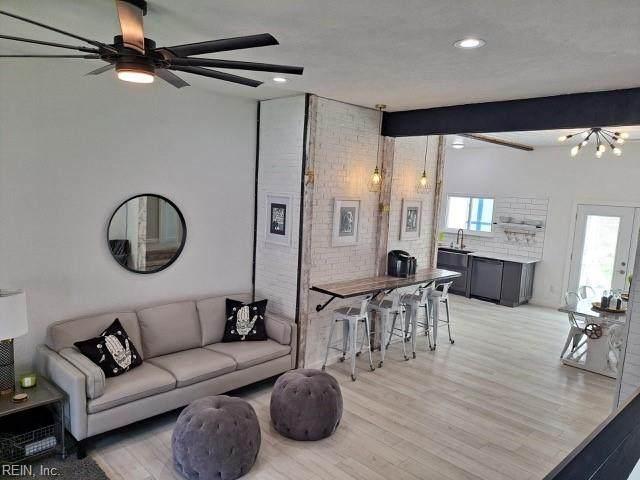 58 Santa Barbara Dr, Hampton, VA 23666 (#10366938) :: Berkshire Hathaway HomeServices Towne Realty