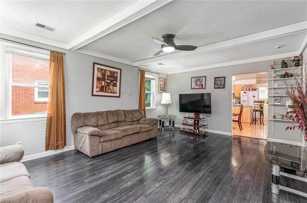 463 Bayview Blvd - Photo 1