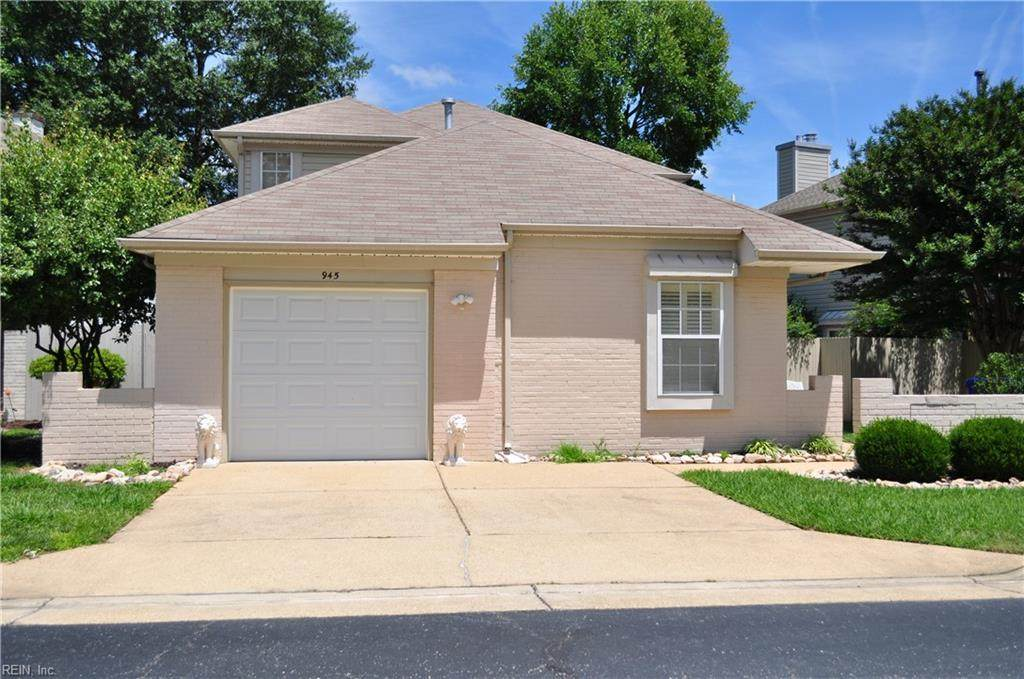 945 Nicklaus Dr - Photo 1