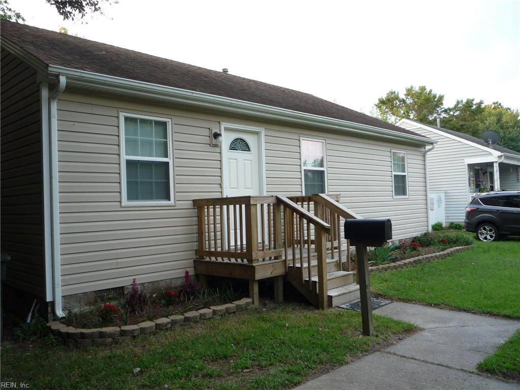 411 Rogers Ave - Photo 1