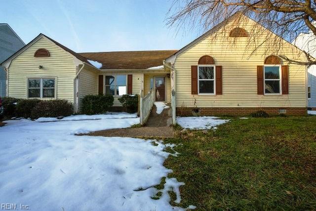 4 Crabtree Ct, Portsmouth, VA 23703 (MLS #10172934) :: Chantel Ray Real Estate