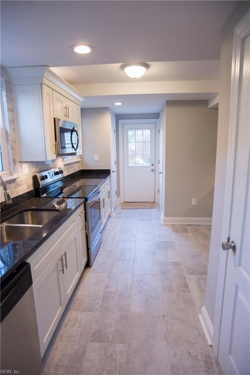 3552 Seay Ave, Norfolk, VA 23502 (MLS #10176614) :: Chantel Ray Real Estate