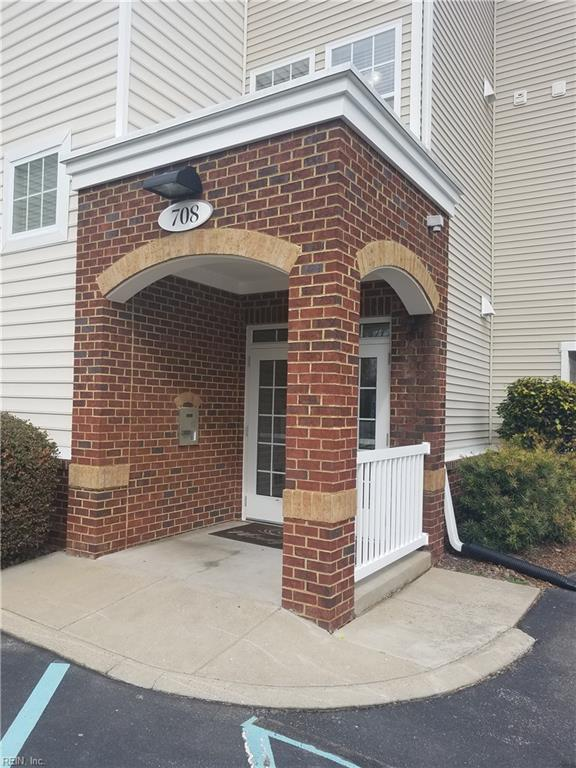 708 Windy Way #307, Newport News, VA 23602 (MLS #10177582) :: Chantel Ray Real Estate