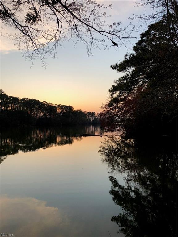 5169 Lake Shores Rd, Virginia Beach, VA 23455 (MLS #10204823) :: Chantel Ray Real Estate