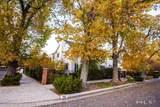 931 La Rue Ave - Photo 2