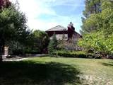 225 Lakeview Dr - Photo 2