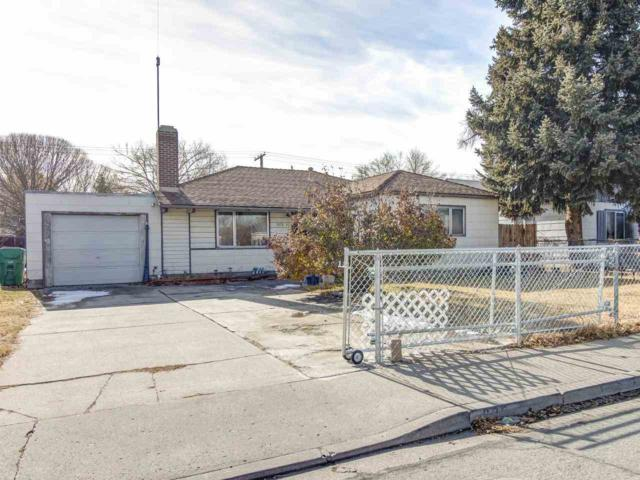 325 Greenbrae Dr, Sparks, NV 89431 (MLS #190000903) :: Mike and Alena Smith | RE/MAX Realty Affiliates Reno