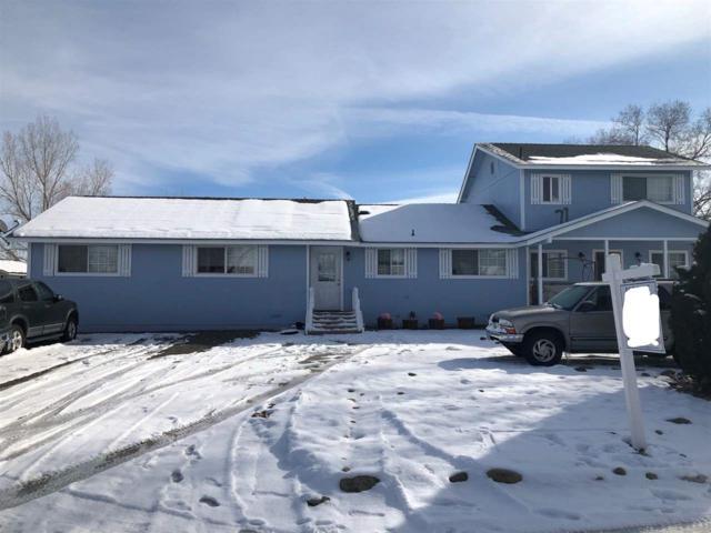 945 Dean Dr, Gardnerville, NV 89410 (MLS #190001612) :: Vaulet Group Real Estate