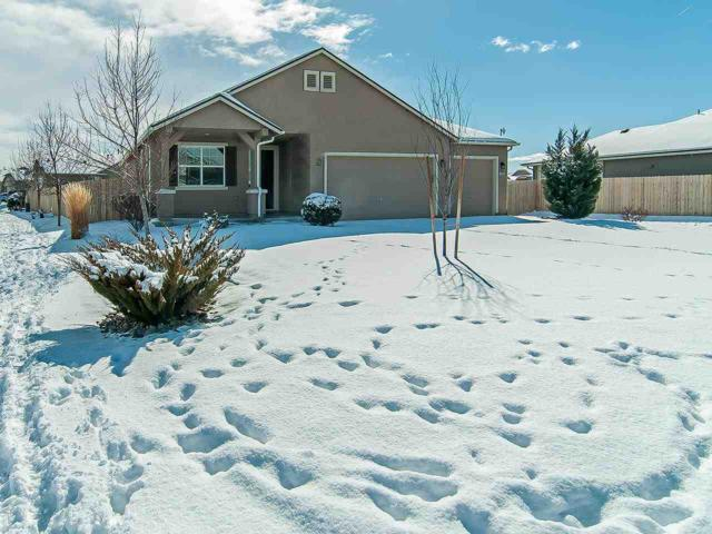 1527 Snaffle Bit Drive, Gardnerville, NV 89410 (MLS #190001637) :: Vaulet Group Real Estate