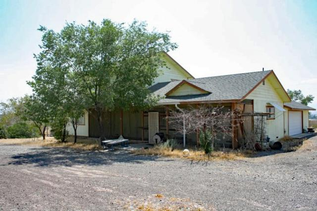 5185 Stagecoach Dr., Stagecoach, NV 89429 (MLS #190002484) :: NVGemme Real Estate
