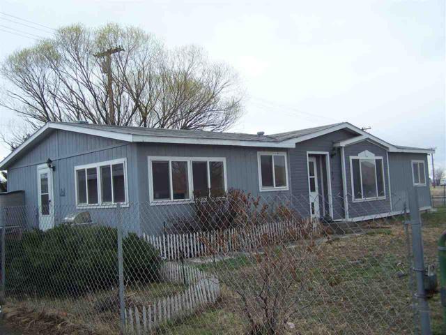 180 Circle Dr, Fernley, NV 89408 (MLS #190003577) :: NVGemme Real Estate