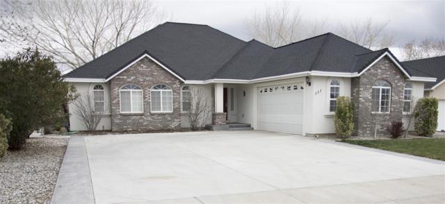 111 Desert Lakes Drive, Fernley, NV 89408 (MLS #190004463) :: Theresa Nelson Real Estate