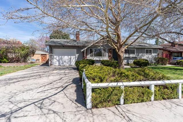 2460 Logan Way, Sparks, NV 89431 (MLS #190005533) :: Vaulet Group Real Estate