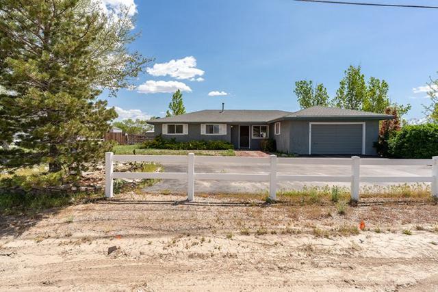 1315 Stephanie Way, Minden, NV 89423 (MLS #190006530) :: NVGemme Real Estate