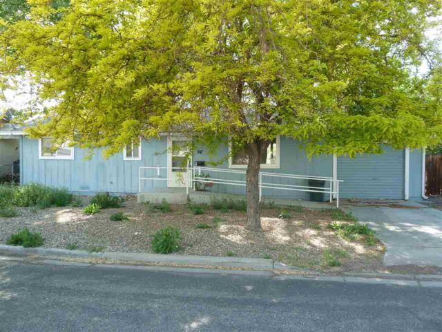 307 Charlotte Ave., Yerington, NV 89447 (MLS #190006810) :: Vaulet Group Real Estate