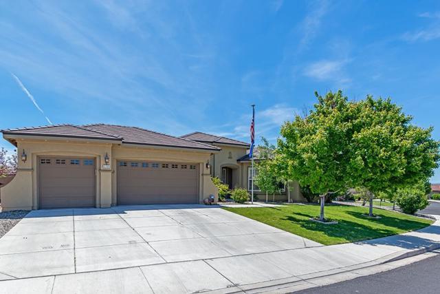 2755 Bull Rider Drive, Reno, NV 89521 (MLS #190008837) :: Harcourts NV1
