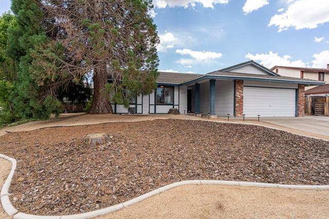 2498 Hermosa Dr., Sparks, NV 89434 (MLS #190009133) :: Chase International Real Estate